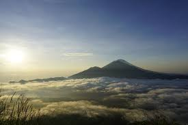 A sunrise experience over a volcano in Bali is an adventure lovers dream. And sunrise at Mount Batur is no exception.